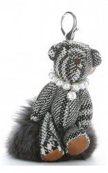Přívěšek ke kabelce Káro medvídek v náhrdelníku z perel na pompomu šedý