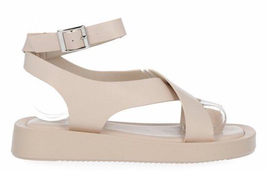 Beżowe sandały damskie na platformie firmy Givana