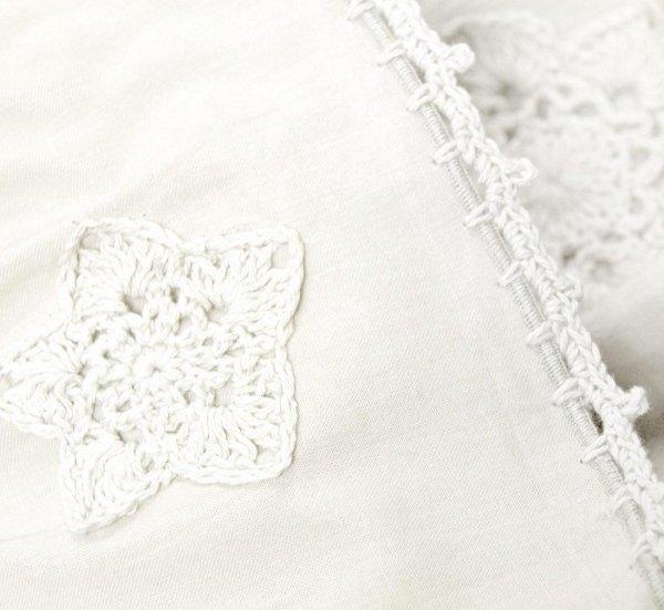 Ręcznik biały z falbanką 50x90, 70x140