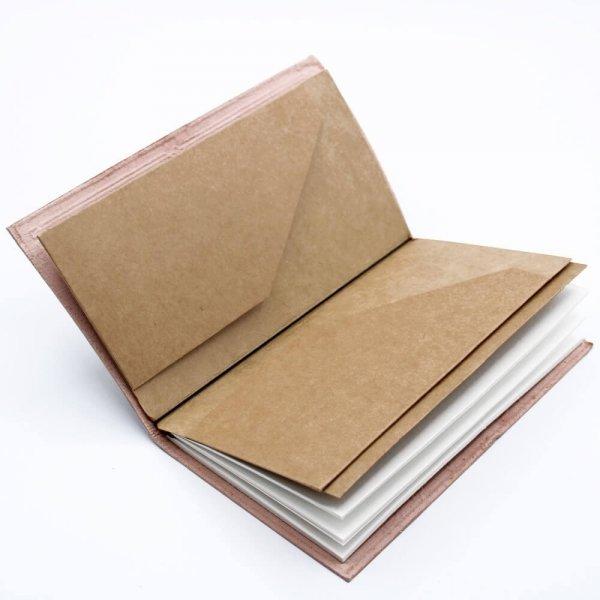 notes w skórzanej oprawie - zeszyt w zielonej okładce z wytłoczonym Drzewem Życia