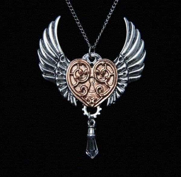 naszyjnik Serce Walkirii seria Engineerium od Anne Stokes, steampunkowa biżuteria