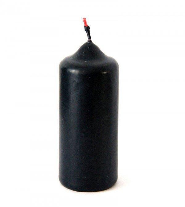 czarno-czerwona świeca w kształcie walca o wysokości 12 cm
