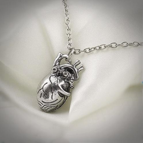 wisiorek z prawdziwym sercem - naszyjnik Serce Anatomiczne