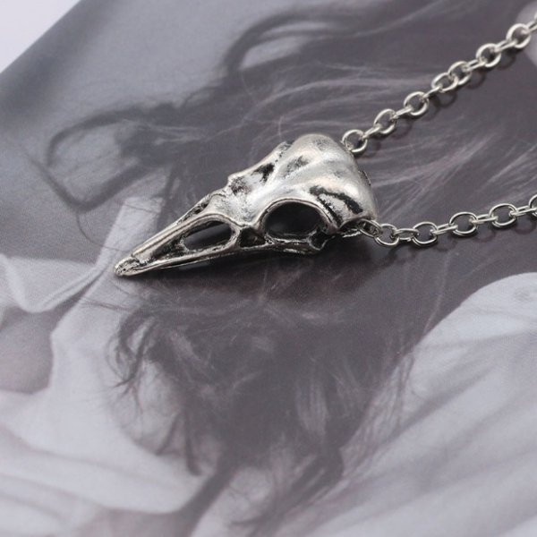 naszyjnik z kruczą czaszką - wisiorek Czaszka Kruka