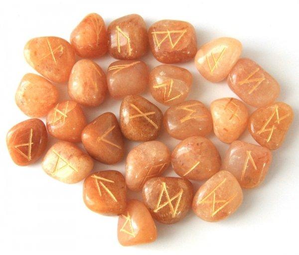 alfabet runiczny na kamieniach - kamienie runiczne, Runy z Awenturynu