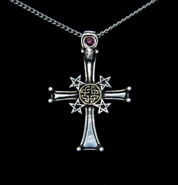 magiczna biżuteria gotycka Celtycki Krzyż z Pentagramami Celtic Pentcross, amulet ochronny