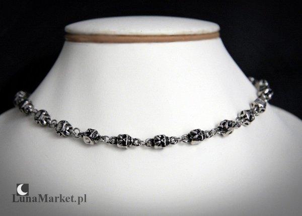 naszyjnik w gotyckim stylu,  łańcuch z małych czaszek - biżuteria gotycka punk goth
