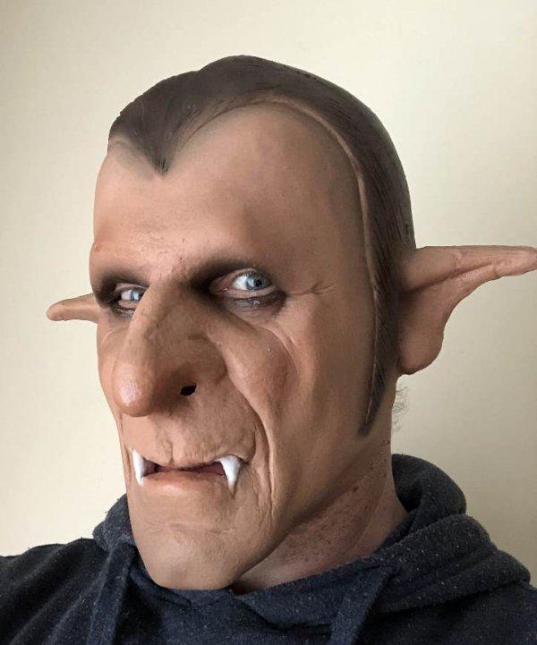 Hrabia Drakula maska na Halloween