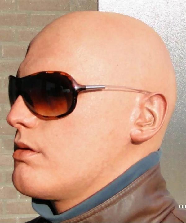 Maska Viktor w okularach