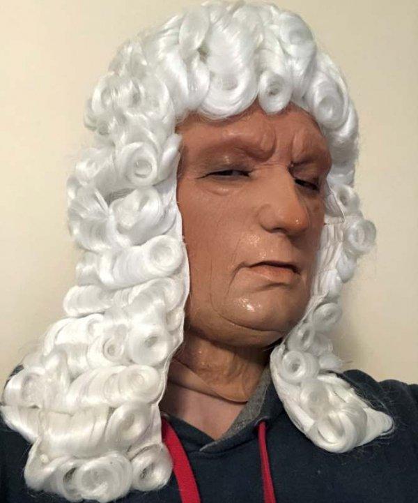 Staruszek sędzia