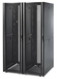 APC NETSHELTER SX 42U 750MM 1070MM W SIDES BL AR3150
