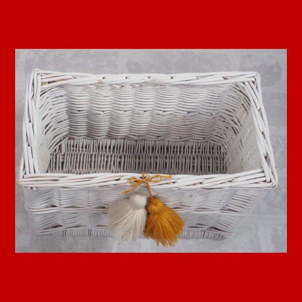 Skrzynka biała z pomponami (35cm) - sklep z wiklina - zdjęcie 2