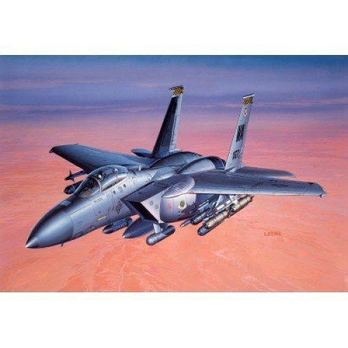 ACADEMY F-15E Strike Eag le w/weapon