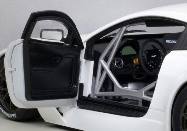 Model metalowy Aston Martin Vantage V12 GT3