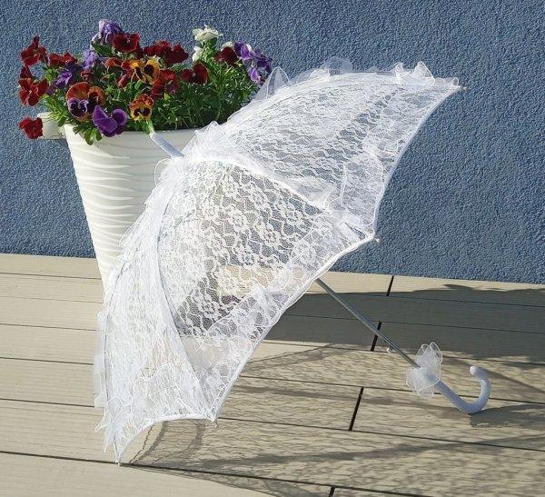 Bella parasolka z ażurowej koronki