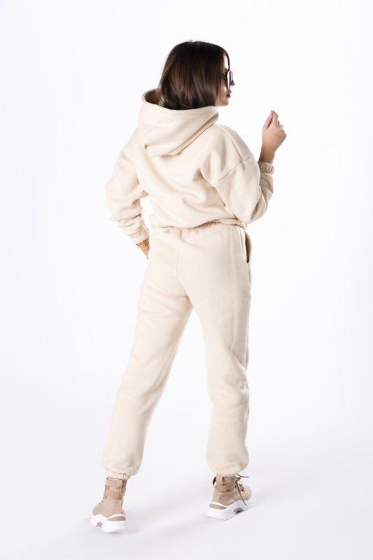 bawełniany dres z wyszywanym nadrukiem