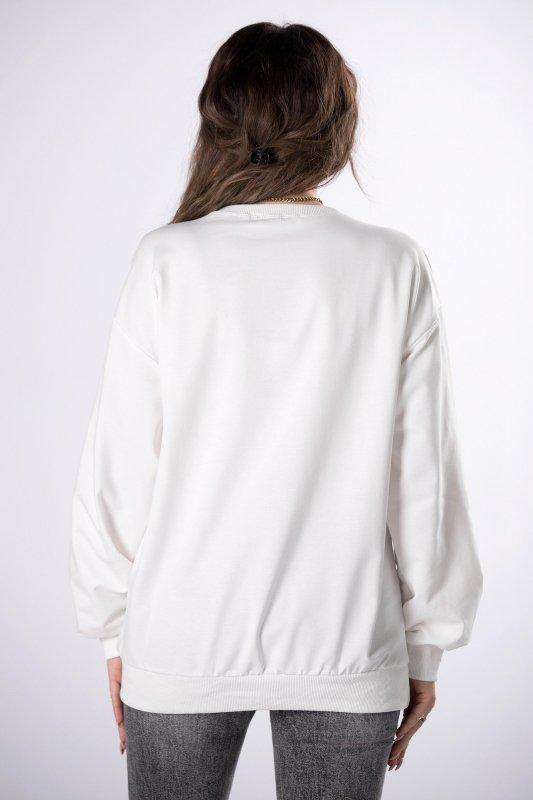 bluza z połyskującą aplikacją