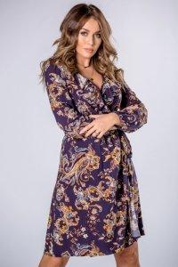 kopertowa sukienka z falbanami na biuście