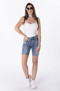 jeansowe spodenki z przetarciami
