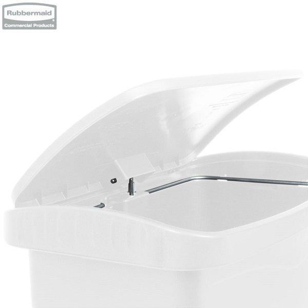 Kosz Slim Jim® Step-On 30L Resin Containers white