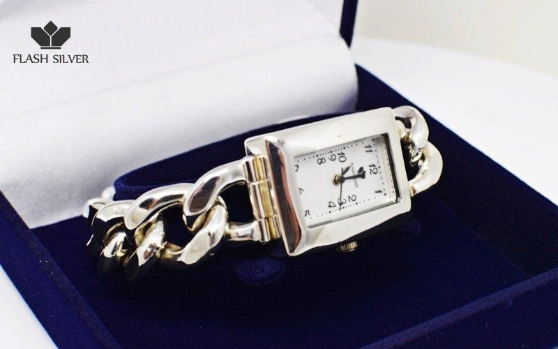 Zegarek ze srebra kod 705