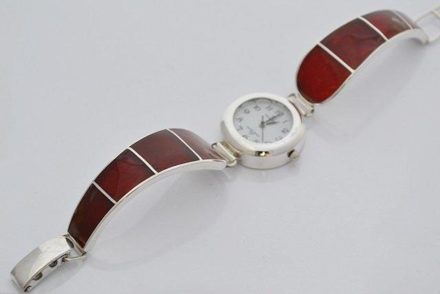 Piękny bursztyn w zegarku ze srebra