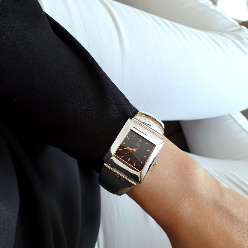 piękny damski zegarek