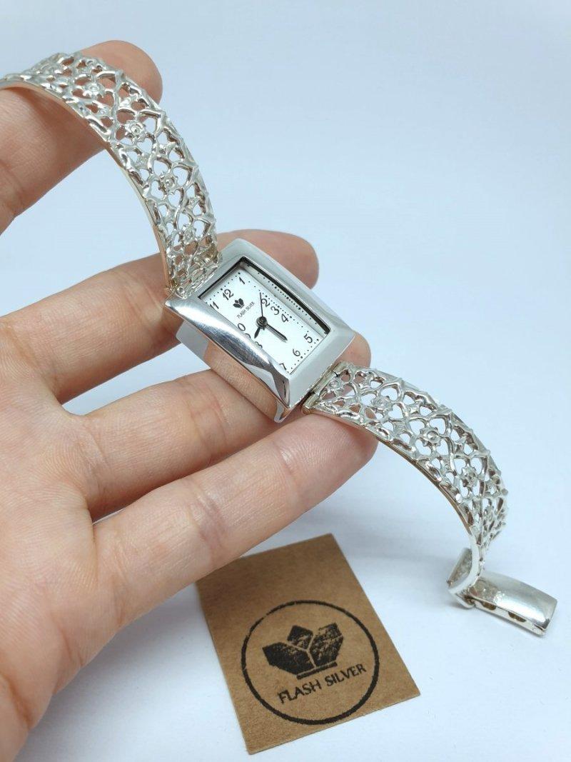 Zegarek ze srebra na ażurowej bransolecie