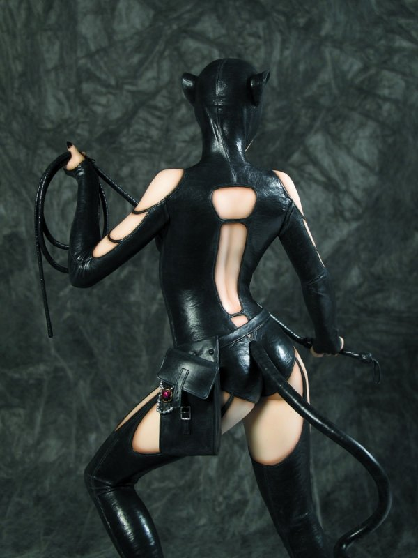 FFG DC COMICS COLL CATWOMAN STATUE