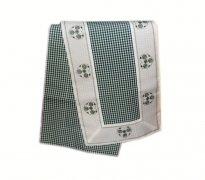 Walentynkowy Ozdobny obrus haftowany rozmiar 40x130 9247 HG Kolor: biało-zielony