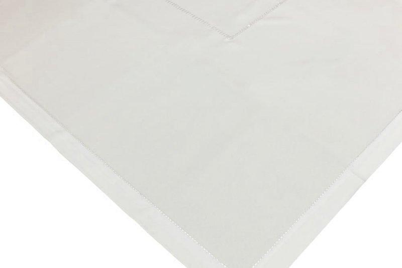 Obrus z mereżką rozmiar 50x100 wzór kremowy (200)
