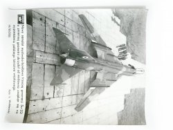 KRONIKA WAF 19/85 (502) NOWY SAMOLOT MYŚLIWSKO-BOMBOWY TRZECIEJ GENERACJI SU-22 FOT. WRÓBLEWSKI