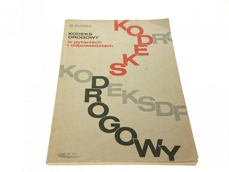 KODEKS DROGOWY W PYTANIACH I ODPOWIEDZIACH (1998)