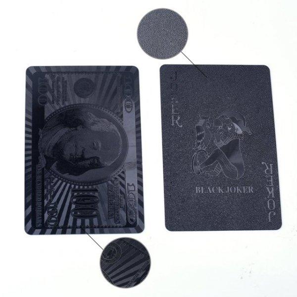 Czarne karty do gry