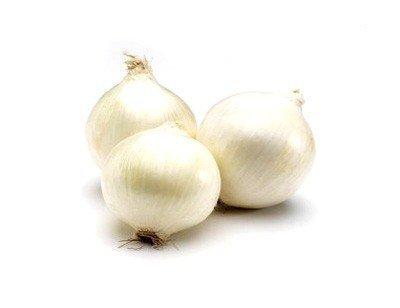 Zdrowa, biała cebula