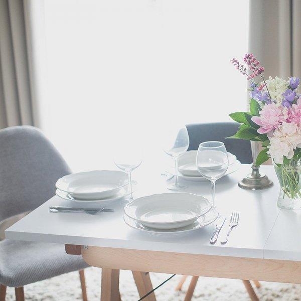 Stół rozkładany Minko to erfekcyjne wykończenie i ponadczasowy design do każdego wnętrza