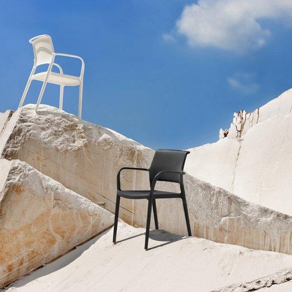 Stylowe krzesła ogrodowe Pedrali
