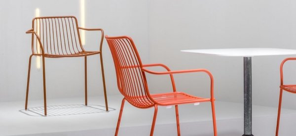 Metalowy fotel zewnętrzny Nolita 3655 Pedrali
