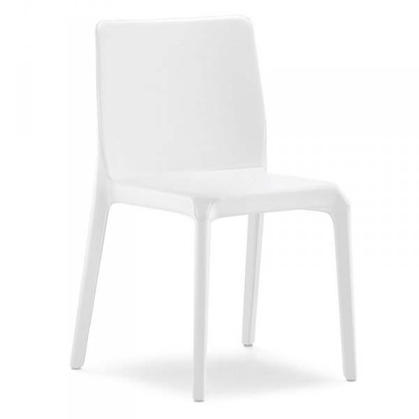 Nowoczesne krzesła tapicerowane skórą Pedrali