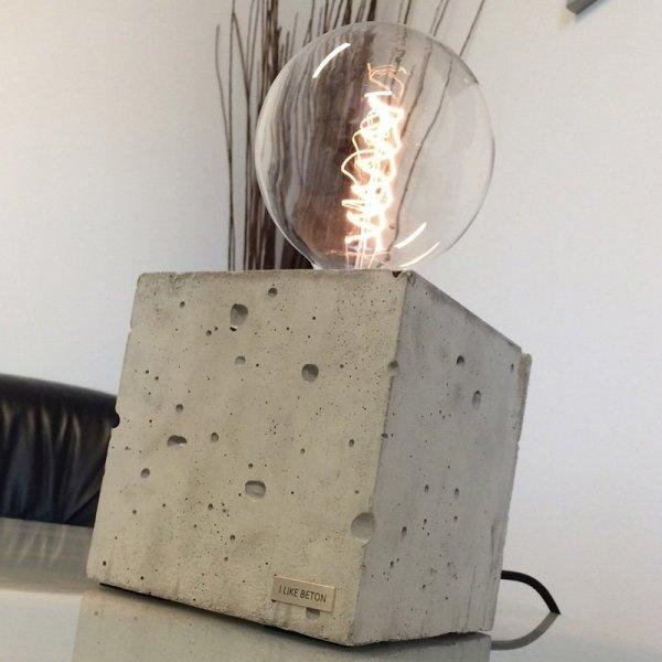 Każda lampka Edison Cube jest ręcznie robiona
