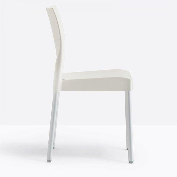 Idealne i w przystępnej cenie krzesła do wnętrz i ogrodów Pedrali Ice 800