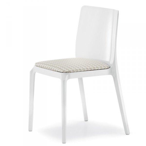 Stylowe krzesła do jadalni z poduszką Pedrali Blitz 640