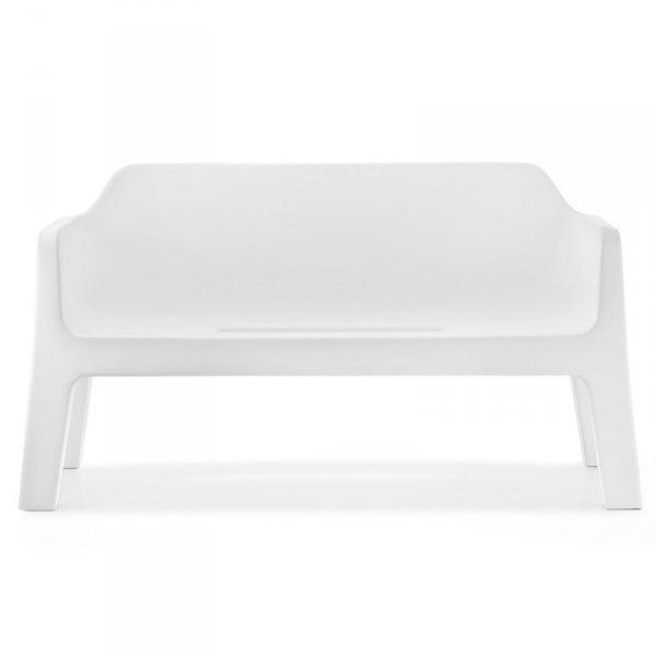 Stylowa kanapa wykonana z tworzywa Pedrali Plus 636
