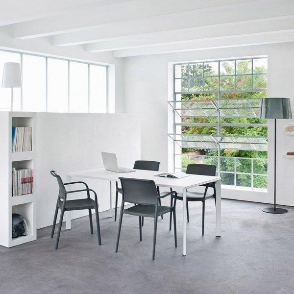 Krzesła Ara 315 idealnie sprawdzą się w kuchni, jadalni, biurze, restauracji