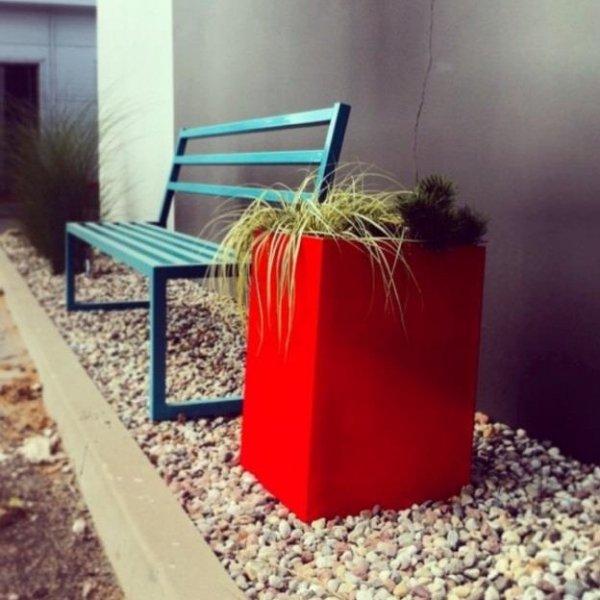 Kolorowe donice ogrodowe Etro