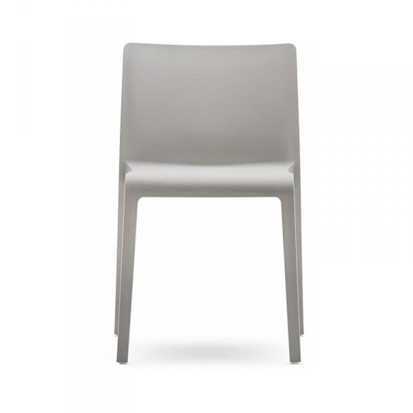Stylowe krzesła z tworzywa Pedrali Volt 67-