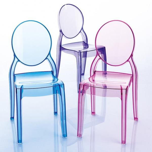 Dostępne w wielu kolorach - transparentnych oraz kryjących, dzięki czemu pasują one do każdego wnętrza
