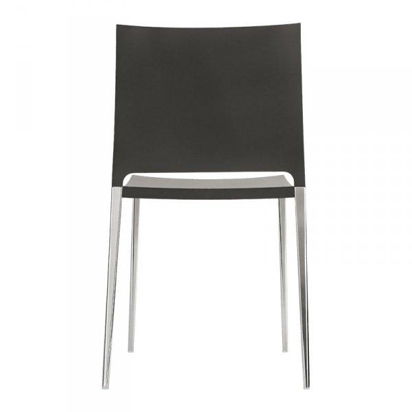 Krzesło Maya występuje w wersji z aluminiową ramą