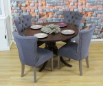 Komplet stół Wexfort i pikowane krzesła Roberto