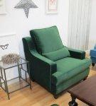 Fotel w pluszowej zielonej tkaninie Lukrecja